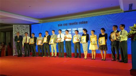 Trường đào tạo Doanh Chủ nhận  Thư cảm ơn và Kỷ niệm chương từ Hội Môi giới Bất động sản Việt Nam (VARs) khu vực miền Nam