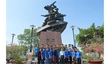 Mít tinh kỷ niệm 53 năm Chiến thắng Ấp Bắc